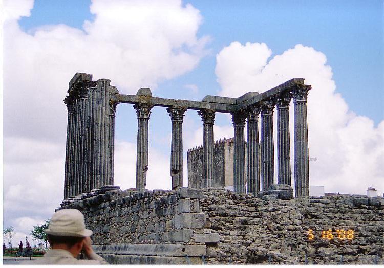 エヴォラ・ディアナ神殿跡
