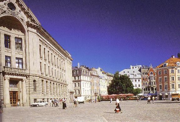リガ大聖堂前広場