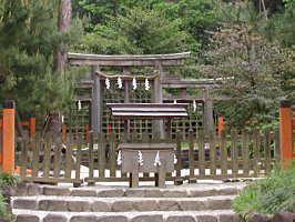 hibara1桧原神社三つ鳥居本命