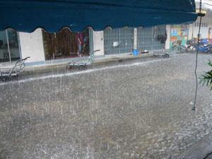 雨01ポッパンク