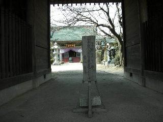 仁王門の通り道!!