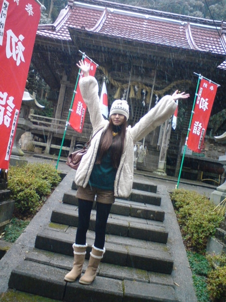 初詣でーす! 最初は地元の小さな神社です!!