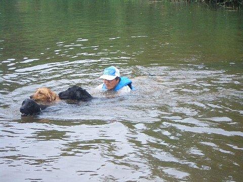 2005 08 04三頭泳ぎ.JPG