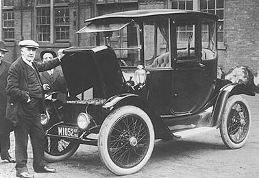 thomas_edison_electric_car.jpg