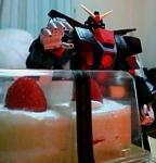 サイコガンダムとケーキ