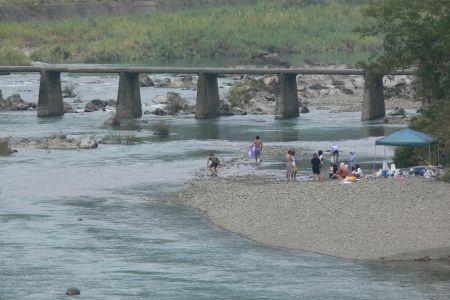 上宮沈下橋 - 川遊び_遊泳