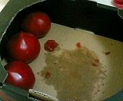 不幸なトマト