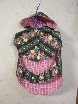 ロックの花柄の服