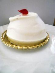 チーズケーキ(クレオパトラ。中にイチジクのソースが入っています)