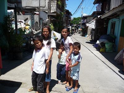 貧民街の子ども達