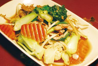豚野菜炒め(ムーパットパックルァーミット)