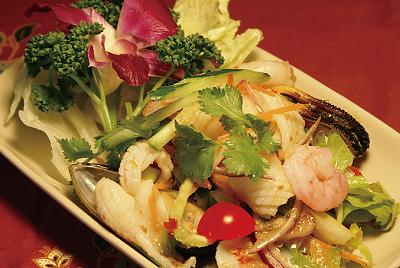 海鮮サラダ(ヤムタレー)