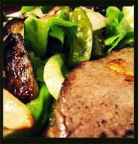 グリル野菜添えステーキ