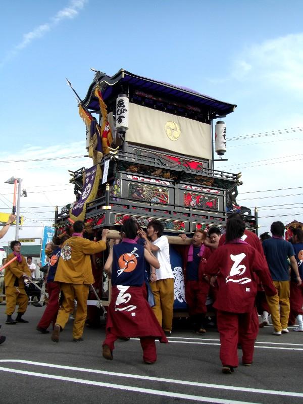 西条祭り 東予地区 プチかきくらべ バッハ書店前駐車場