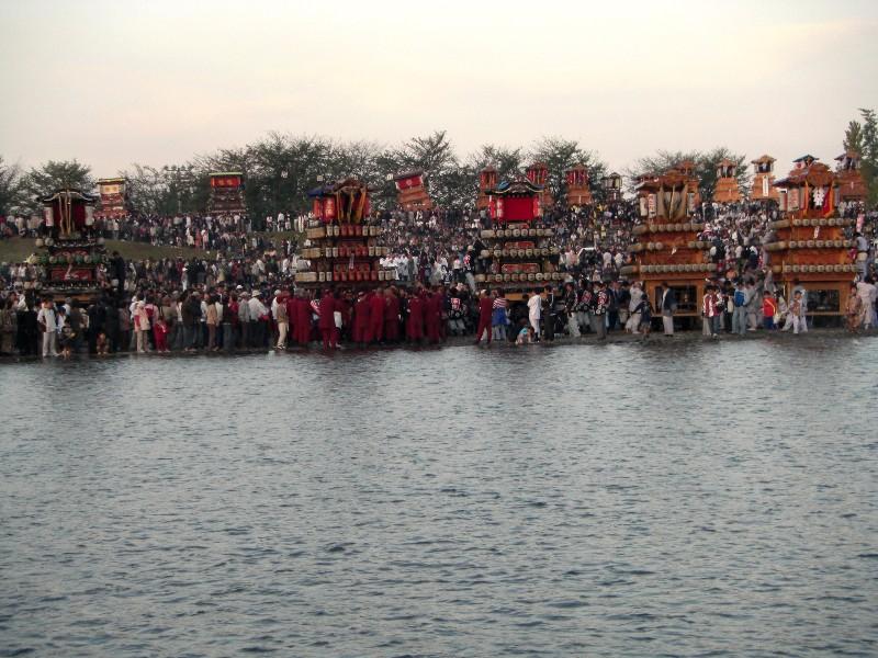 西条祭り 伊曽乃神社祭礼 川いり