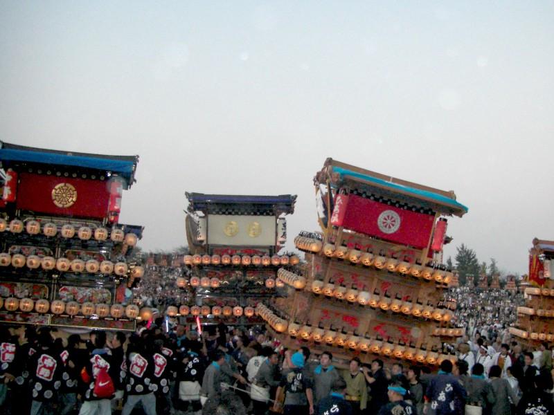伊曽乃神社祭礼 川入り