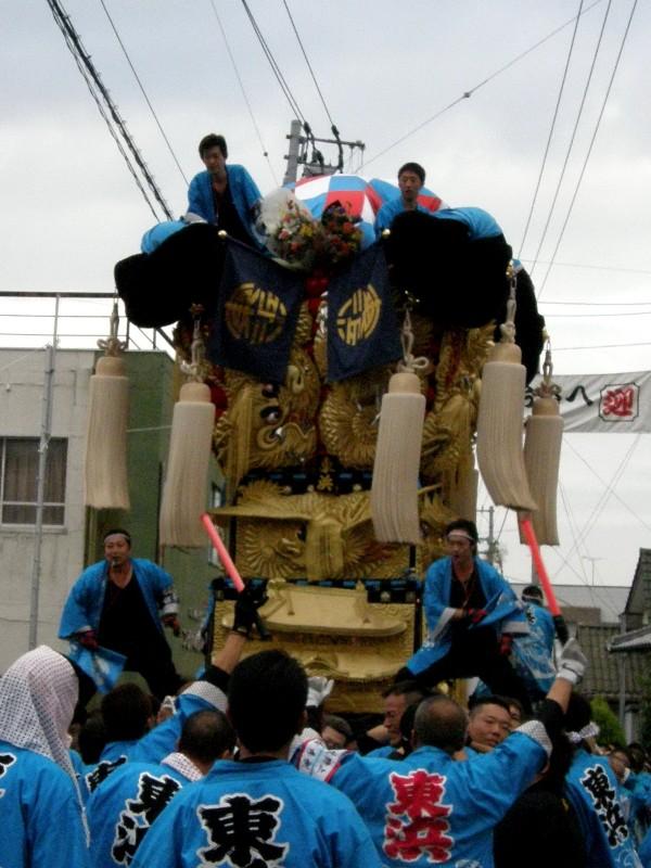 新居浜秋祭り 多喜浜駅前 かきくらべ