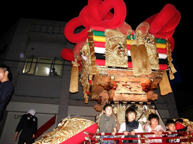 伊予三島秋祭り 夜太鼓統一運行