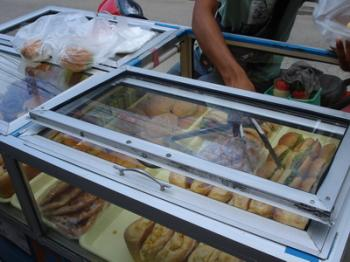 サムイ島の天気 パン屋①