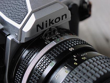 銀塩カメラ1