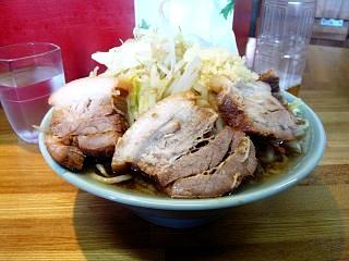 ラーメン髭(チャーシュー麺横2)