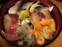 徳多和良(刺身丼1)