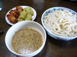 日の出製麺所(うどん全景)