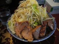 暖々(ラーメン大盛り野菜少しマシニンニク1)