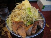 暖々(ラーメン大盛り野菜少しマシニンニク3)