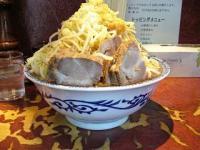 暖々(大盛りラーメン野菜少し多めカラメニンニク3)