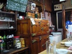 神谷酒場(店内・冷蔵庫)