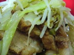 ラーメン二郎三田(小豚肉アップ2)