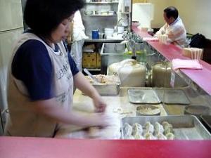 蘭州(餃子作り)