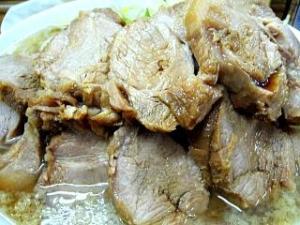 麺徳(チャーシュー麺肉アップ1)