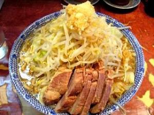 暖々(大ラーメン野菜少し多めカラメニンニク全体2)
