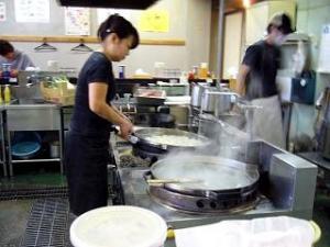 万太郎(玉子製作過程)
