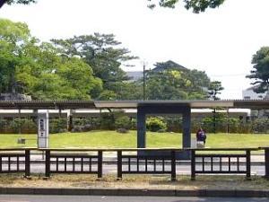 琴電築港駅