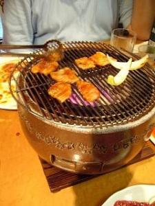 焼肉舜(四皿目赤肉焼きの図)