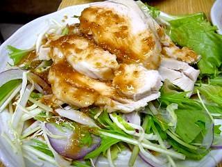 西口焼きとん(鶏サラダ)