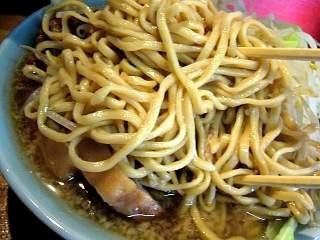 ラーメン髭(チャーシュー麺麺アップ)