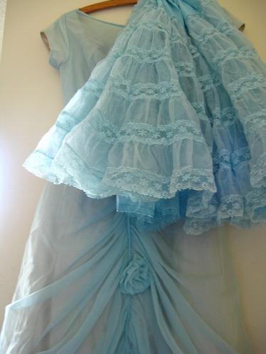 2009 dress 037