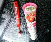 こども歯磨きと歯ブラシ