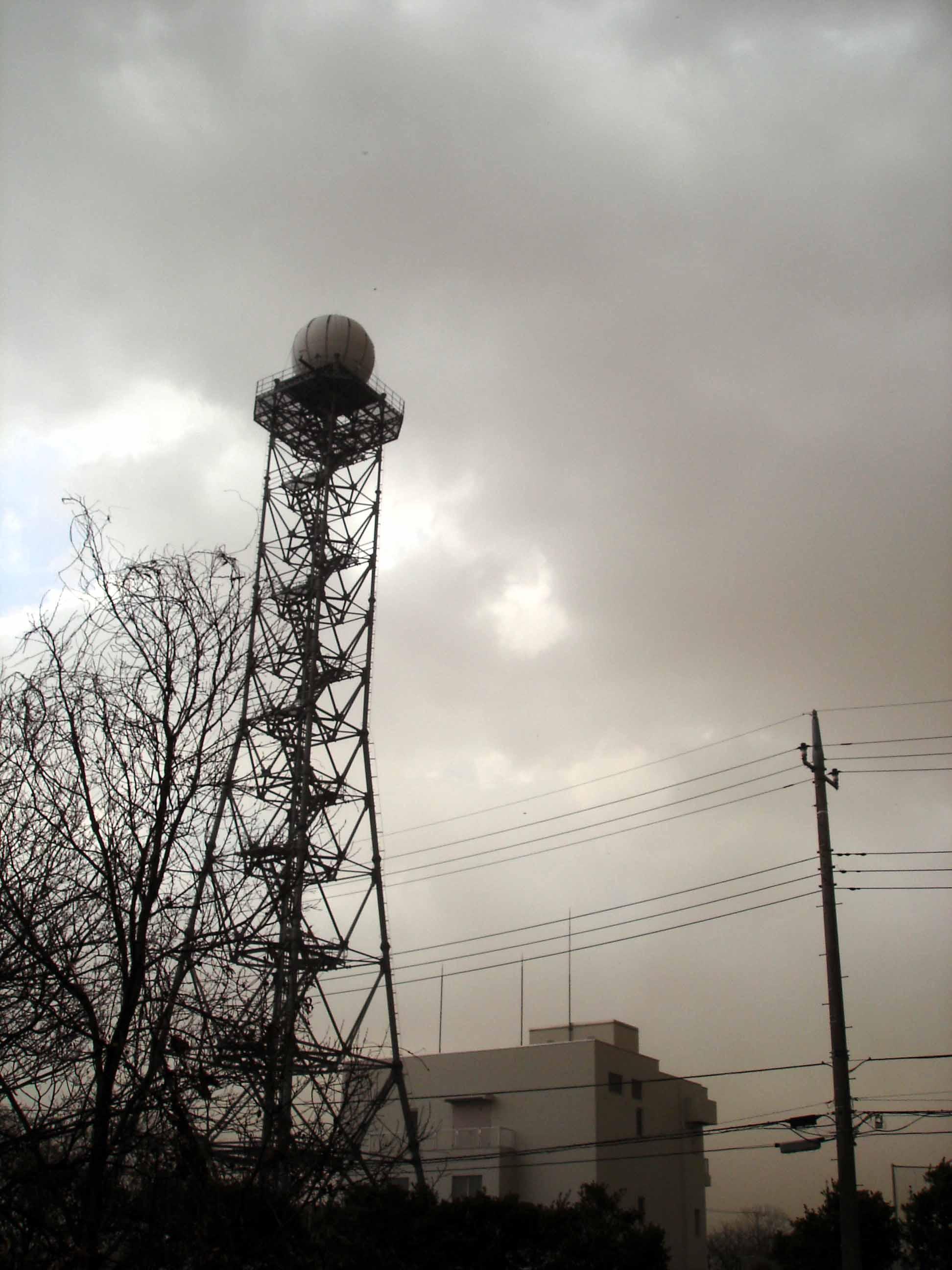 Dsc00248 旋風の通過⑰ 強風で唸る鉄塔