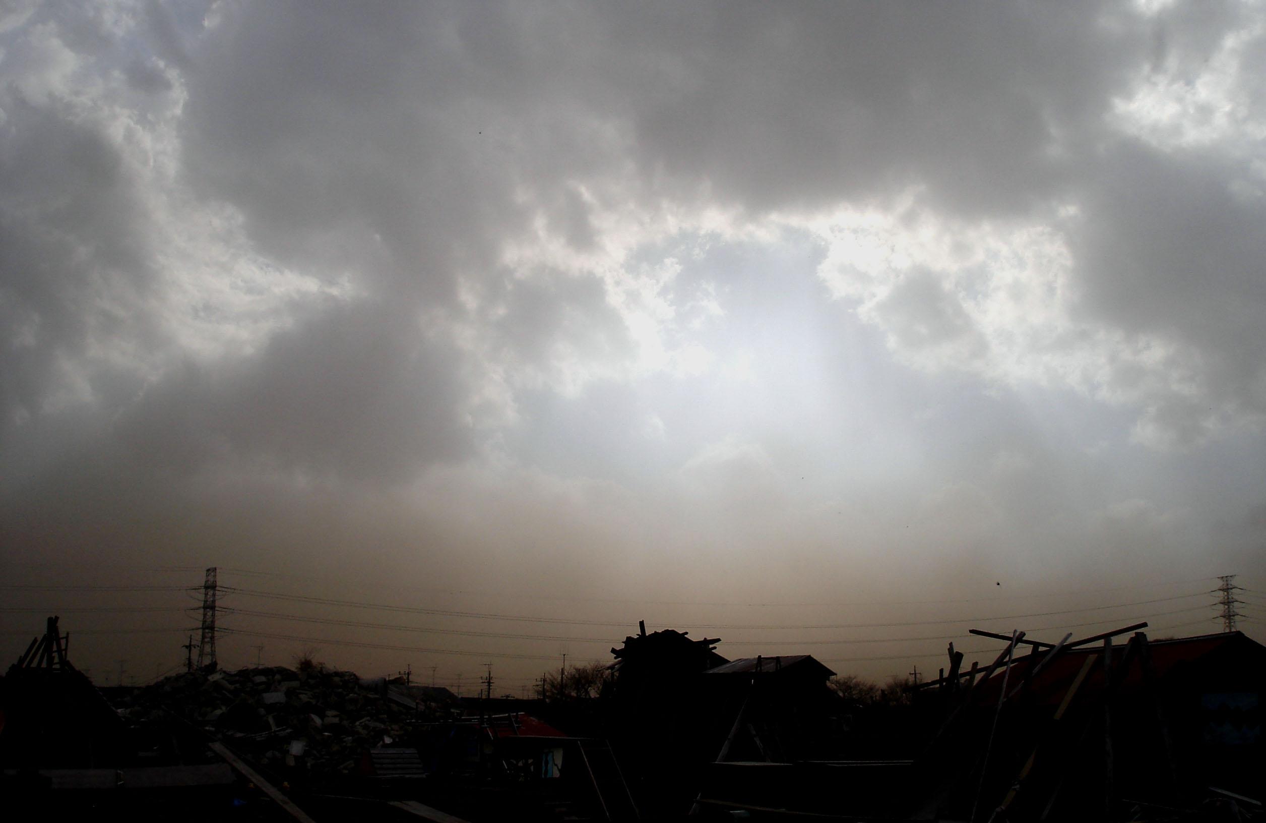 Dsc00292 旋風の通過33 雲間から日が差し始める⑥