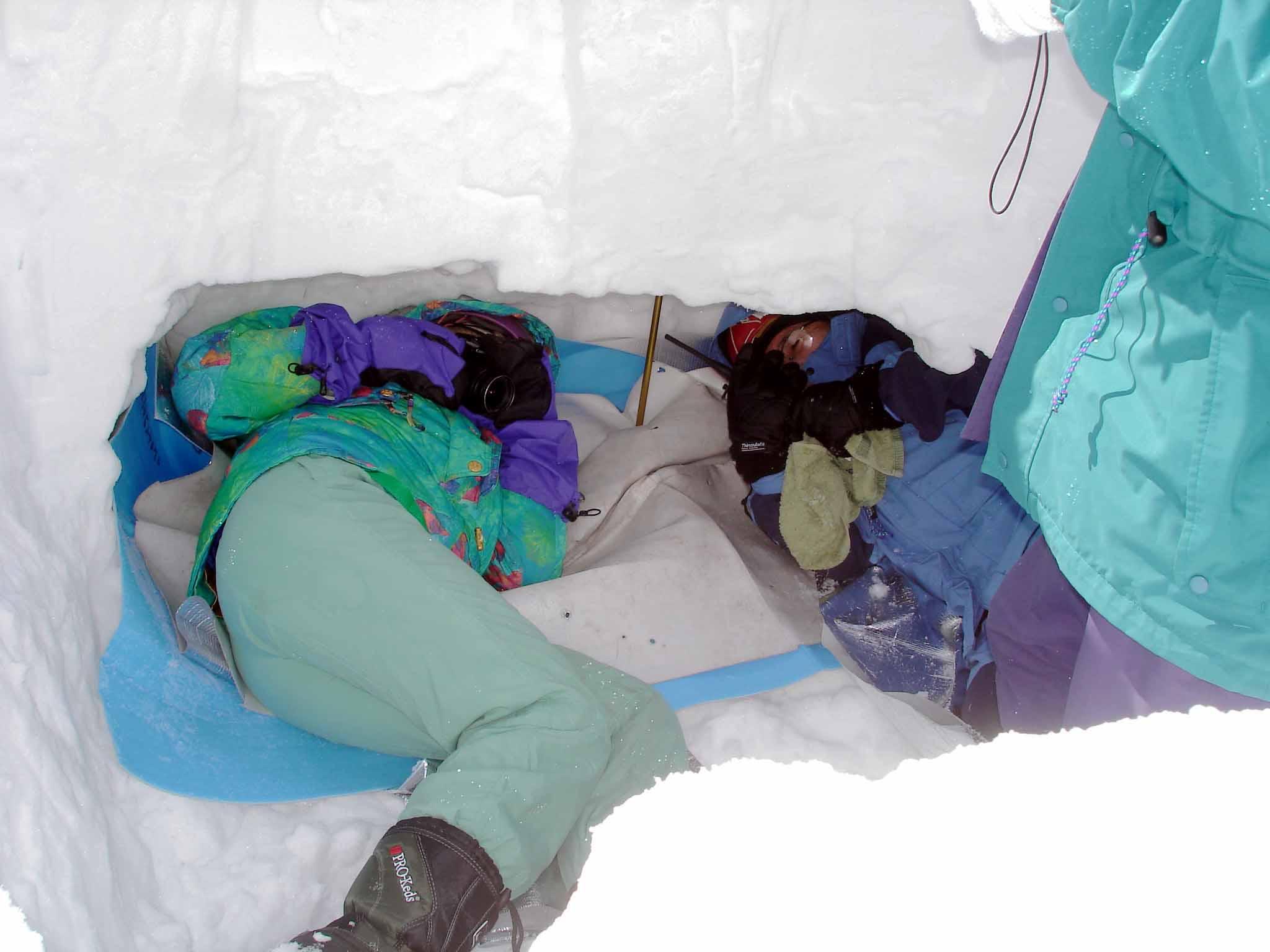 長野山岳レスキュー 記者が埋没体験