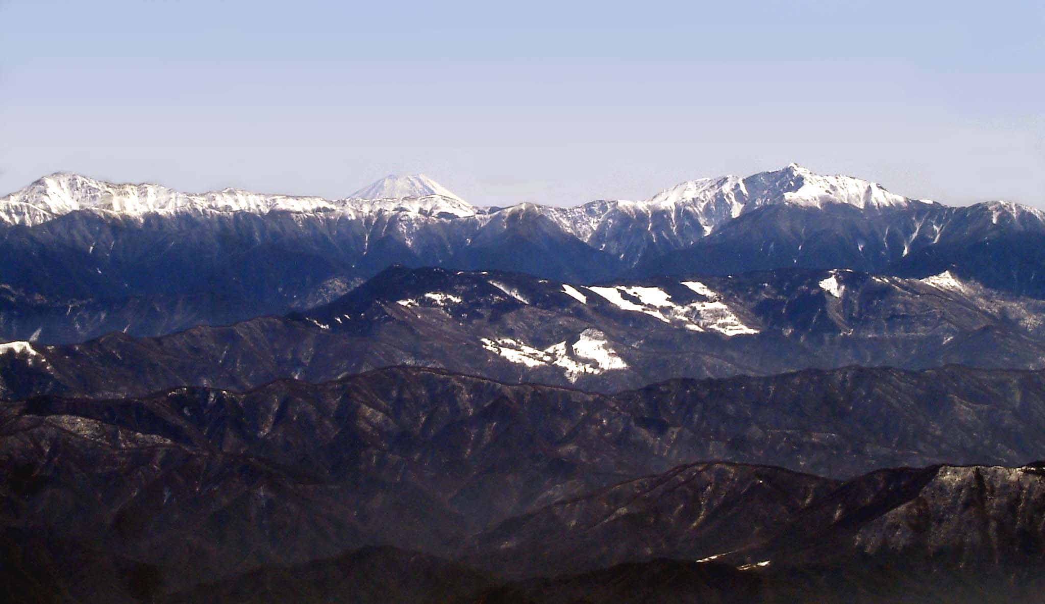 15日は移動性ドカンピン(南アルプスの向うに富士山)
