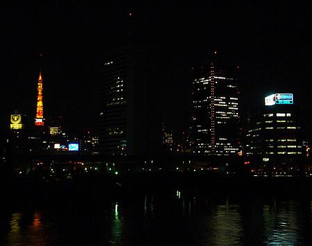 夜の東京湾