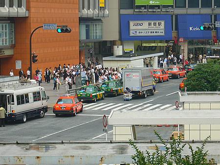 新宿西口駅前7月12日