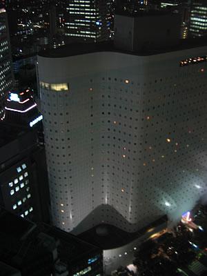 ワシントンホテルって窓が小さいんですけど…