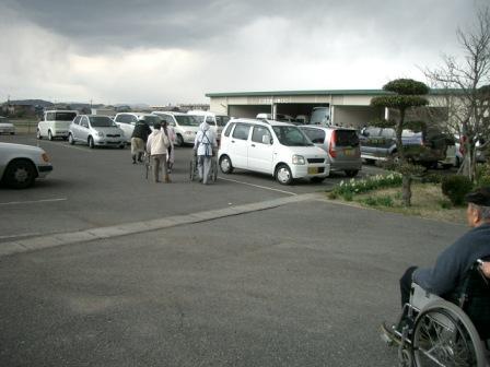 駐車場へ避難